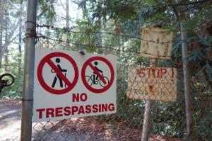 Zákaz vstupu u jezera Elsman