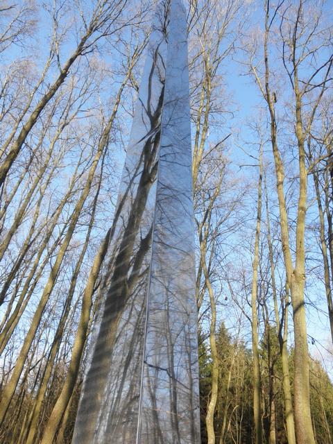 Nakloněný obelisk