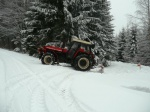 Den předem, občas měl problémy s přípravou trasy i traktor :)