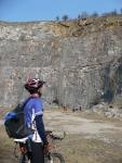 Šéďa pozoruje horolezce v Alkazaru