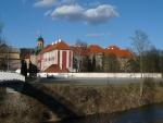 Nově opravený klášter v Plasích