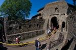 Průjezd hradem Helfštýn